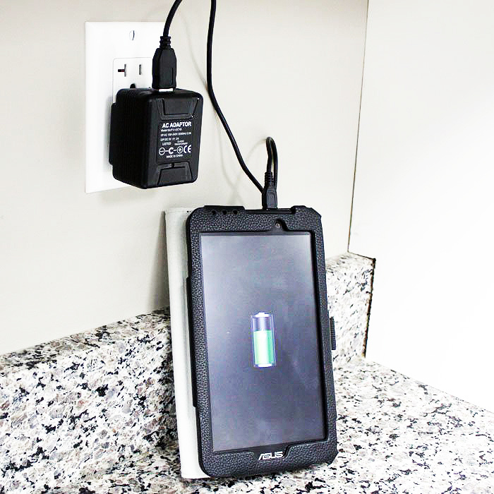 lawmate-pv-uc10i-ac-adapter-hidden-camera-wall-charger-tablet__25089.1488947800.1280.1280